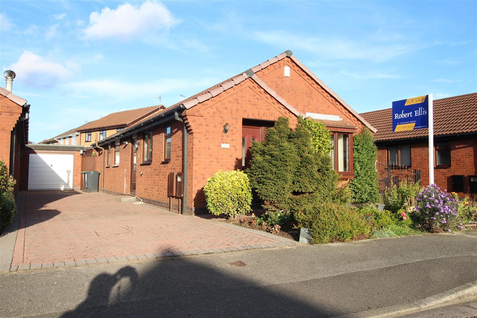 3 Bedrooms Detached Bungalow for sale in Roehampton Drive, Trowell